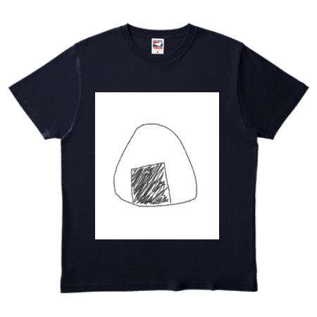 白インクが使われる濃色Tシャツだと白背景が出てしまいます